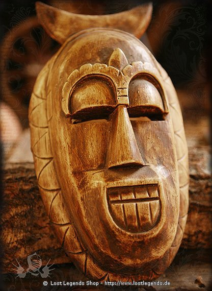 afrikanische maske afrikanische masken. Black Bedroom Furniture Sets. Home Design Ideas