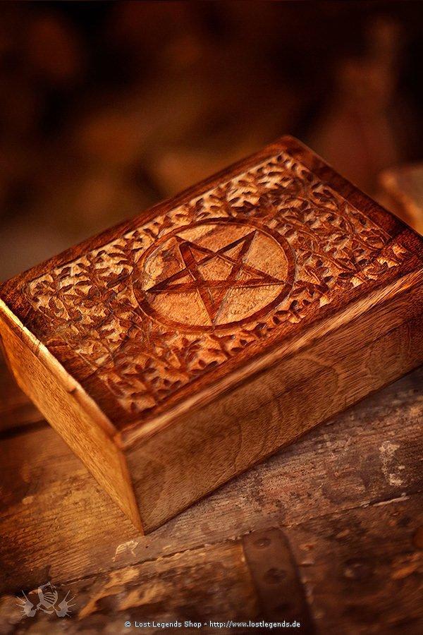 altark stchen mit pentagramm aus holz dekoration. Black Bedroom Furniture Sets. Home Design Ideas